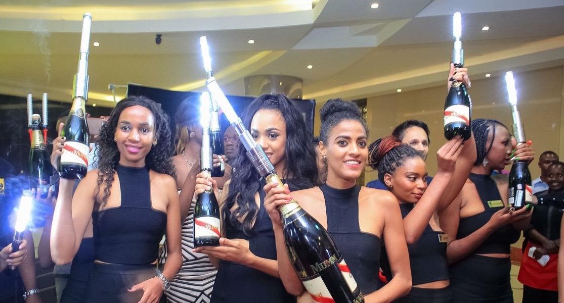 led-bottle-baton-strobe-topper-bottle-service-sparkler-alternative-nightclubshop.jpg